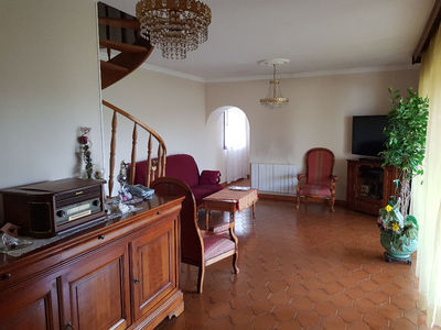 Immeuble, 185 m²