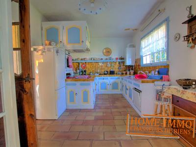 Maison, 1 760 m²
