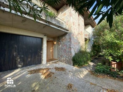 Maison, 239 m²