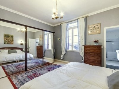 Maison, 232 m²