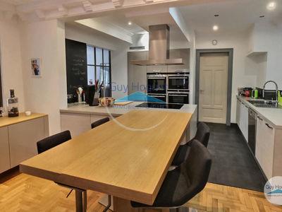 Maison, 387 m²