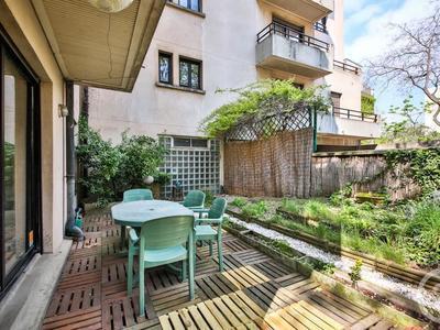 Achat appartement rez de jardin à Paris (75) - Superimmo