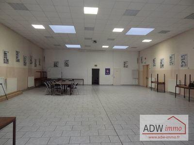 Immeuble, 700 m²