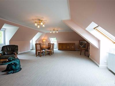 Maison, 560 m²