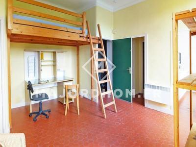 Immeuble, 106 m²