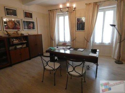 Immeuble, 273 m²