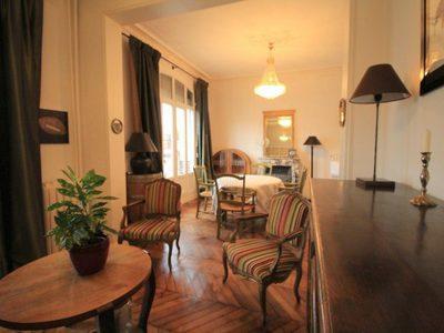 Maison, 225 m²