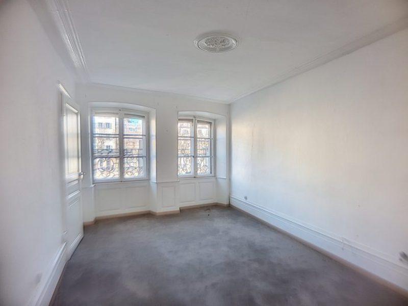 Immeuble, 665 m²