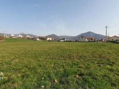 Terrain, 672 m²