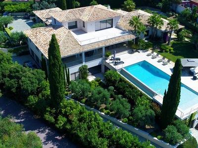 Maison, 694 m²
