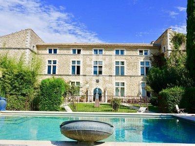 Maison, 817 m²
