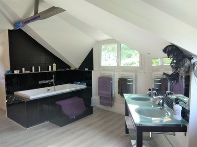 Maison, 373,5 m²