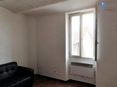 Immeuble, 305 m²