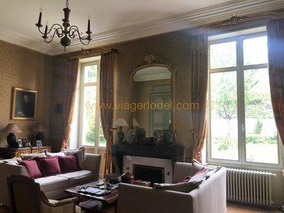 Maison, 950 m²