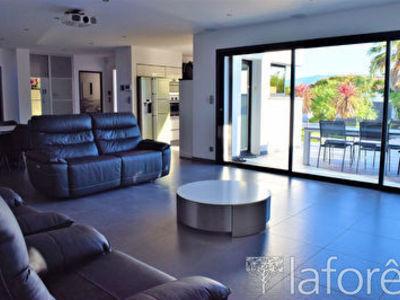 Maison, 161 m²