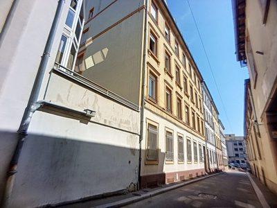 Immeuble, 658 m²