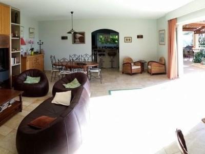 Maison, 200 m²