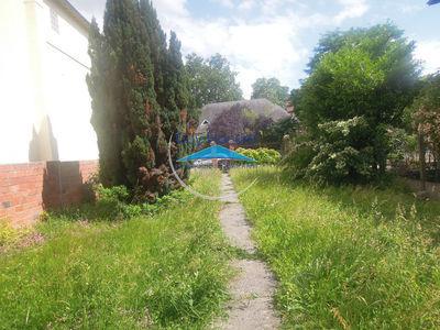 Terrain, 568 m²