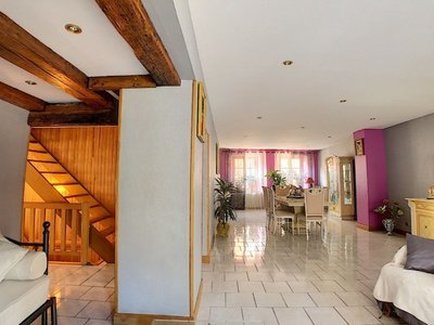 Immeuble, 382 m²