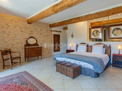 Maison, 700 m²
