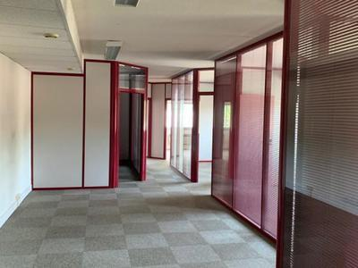 Immeuble, 1 694 m²