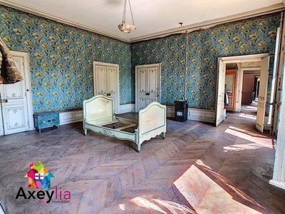Maison, 1 300 m²