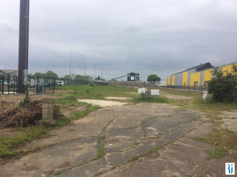 Terrain, 6 000 m²