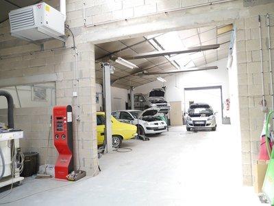 Divers, 1 800 m²