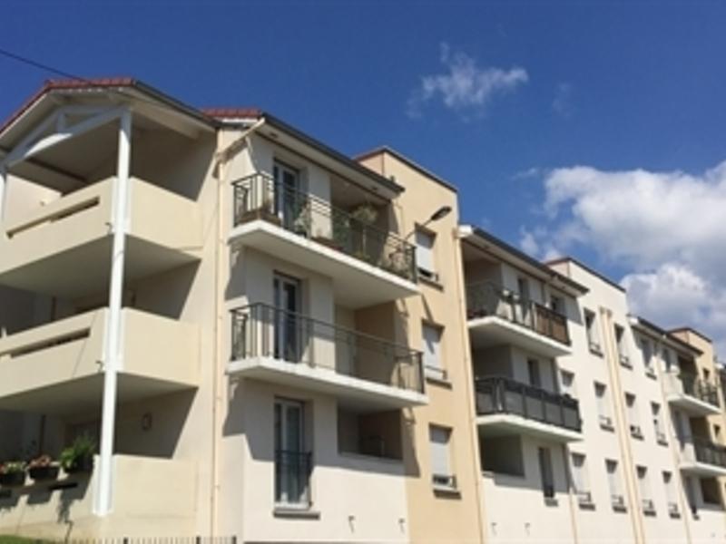 Location appartement 2 pi ces 44 m saint etienne 42000 for Location appartement atypique saint etienne