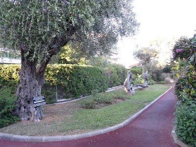 Location appartement rez de jardin à Saint-Laurent-du-Var (06700 ...