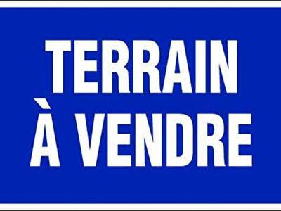 Terrain, 832 m²
