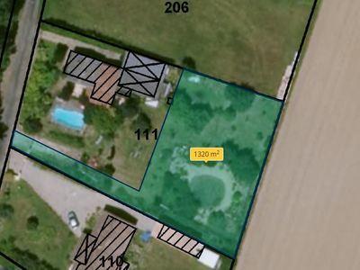 Terrain, 1 369 m²