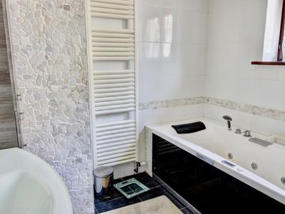 Maison, 282 m²