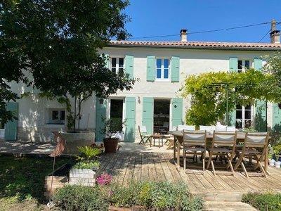 Achat maison 8 pièces à La Rochelle (8) - Superimmo