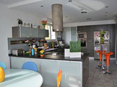 Maison, 264,36 m²