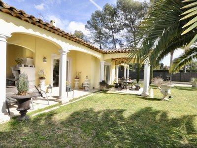 Maison, 226 m²