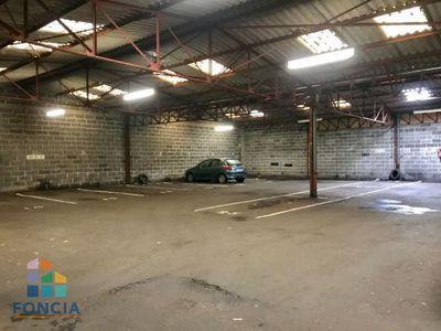 Parking, 1 100 m²