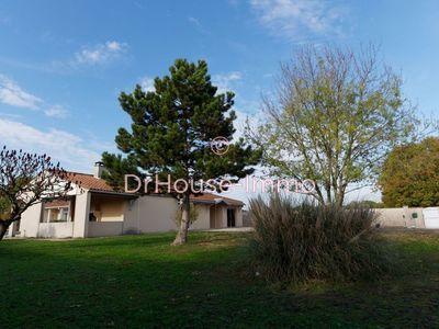 Maison, 210 m²