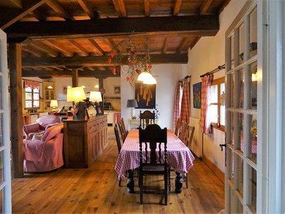 Maison, 886 m²
