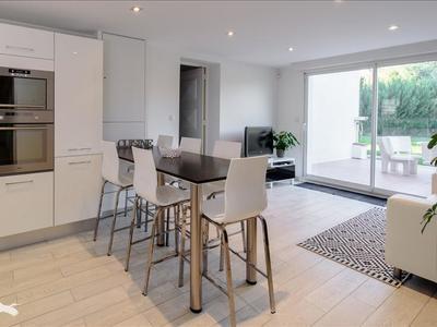 Maison, 216 m²