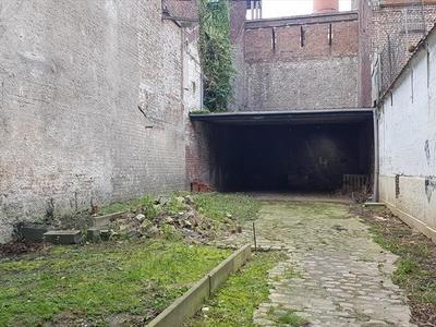 Terrain, 147 m²