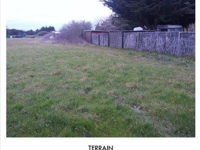 Terrain, 2 700 m²