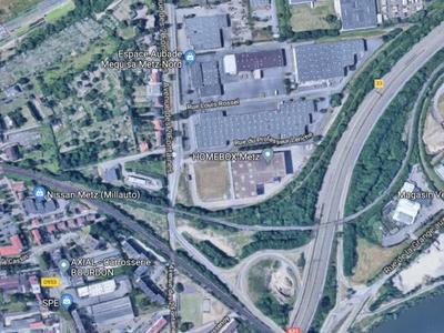 Terrain, 65 000 m²