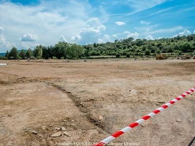 Terrain à bâtir, 608 m²